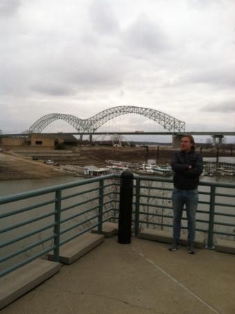 Bron som länkar Tennesse med Arkansas